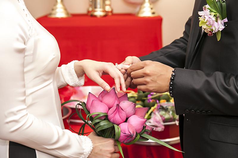 Các kiểu mẫu hoa cưới hoa sen cho cô dâu đẹp
