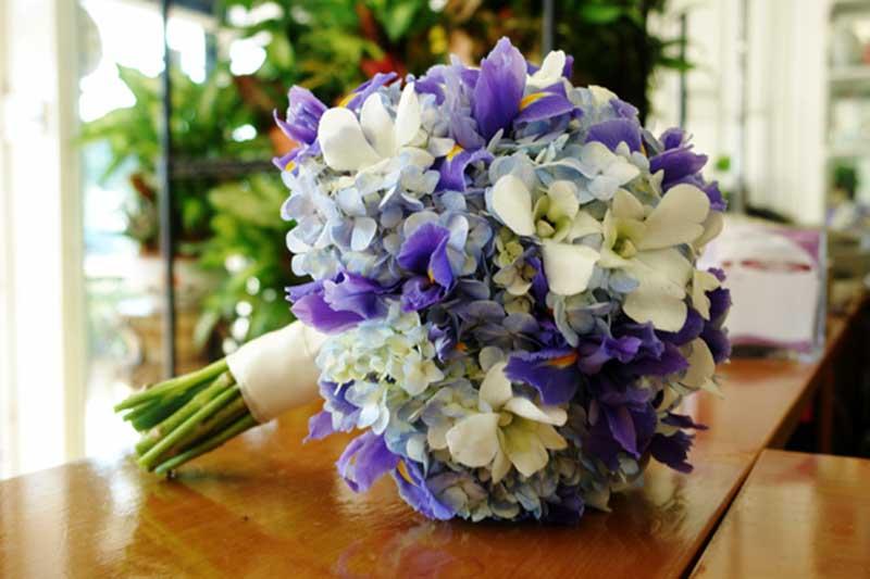 Cách giảm chi phí cho kết hoa cưới