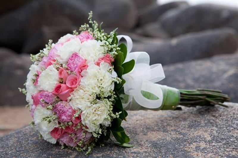 Hoa cưới cẩm chướng đẹp cho cô dâu