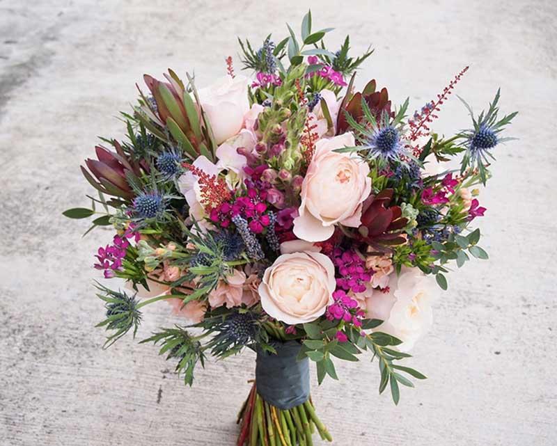 Hoa cưới cô dâu rustic