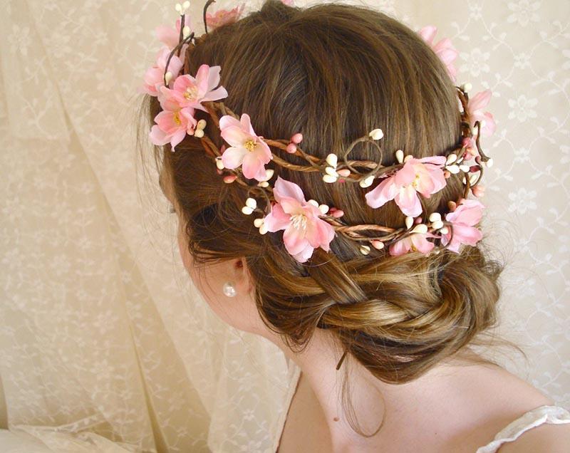 Hoa cưới tết tóc cho cô dâu
