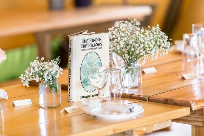 Mẫu hoa cưới để bàn trang trí trong ngày cưới
