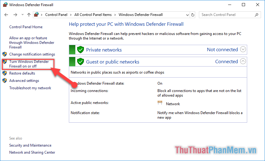 "Chọn ""Turn Windows Defender Firewall on or off"""