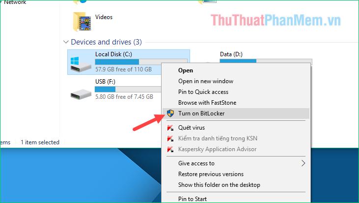 Chuột phải lên ổ C (ổ cài window) và chọn Turn on BitLocker