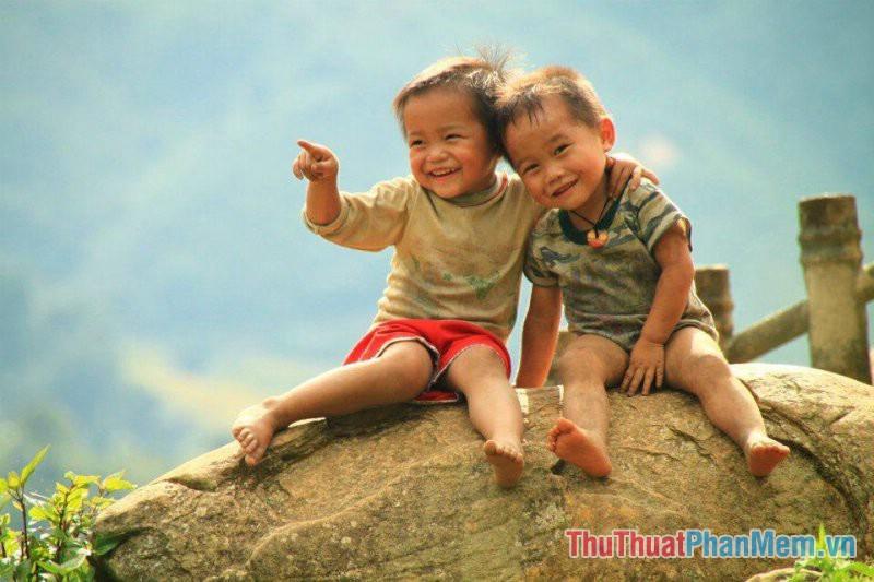Hình ảnh đôi bạn thân thời thơ ấu ngây thơ đẹp nhất