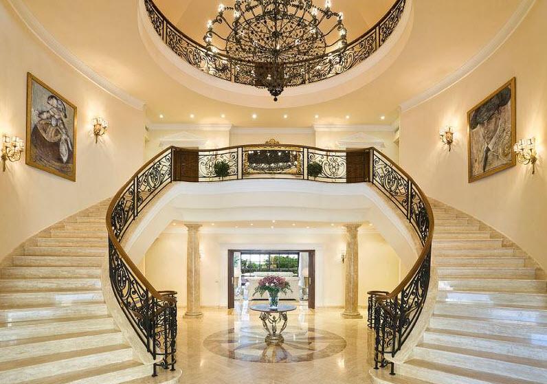 Mẫu cầu thang sảnh phòng khách đẹp nhất