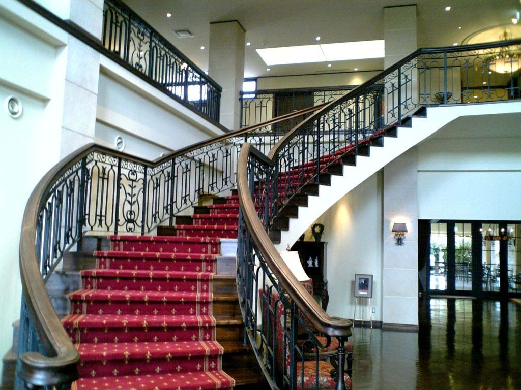Những mẫu cầu thang cổ điển đẹp