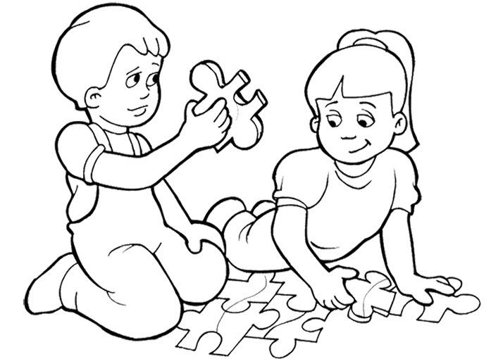 Tranh tô màu các em bé chơi đồ chơi cho bé 5 tuổi