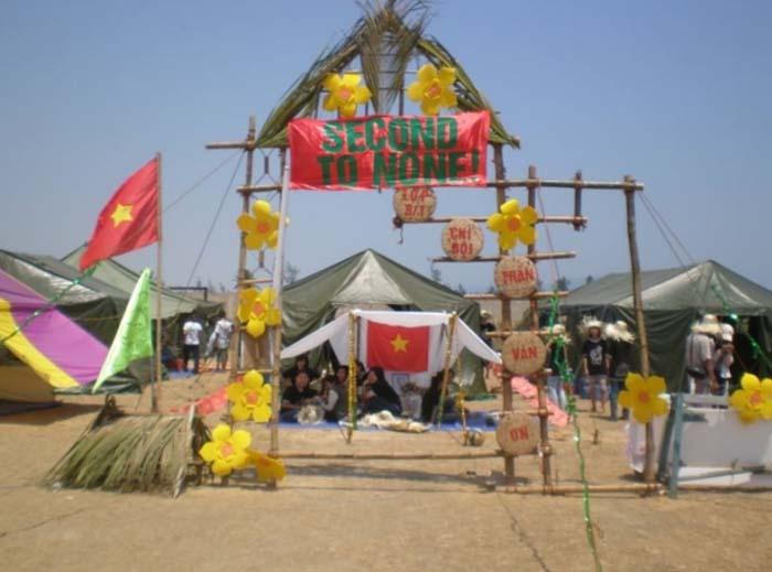 Hình ảnh cổng trại đơn giản đẹp