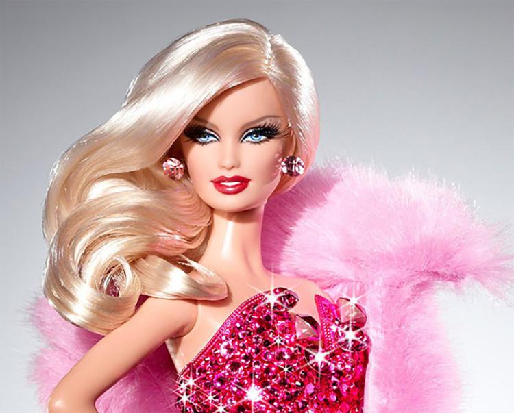 Hình ảnh trang điểm theo phong cách búp bê barbies