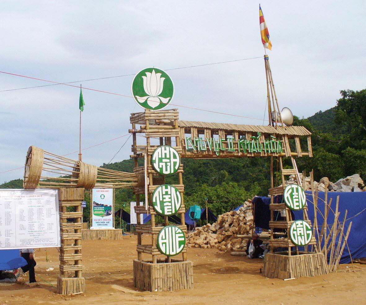 Mẫu hình ảnh cổng trại đẹp nhất