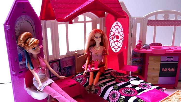 Ngôi nhà xinh đẹp của búp bê Barbies