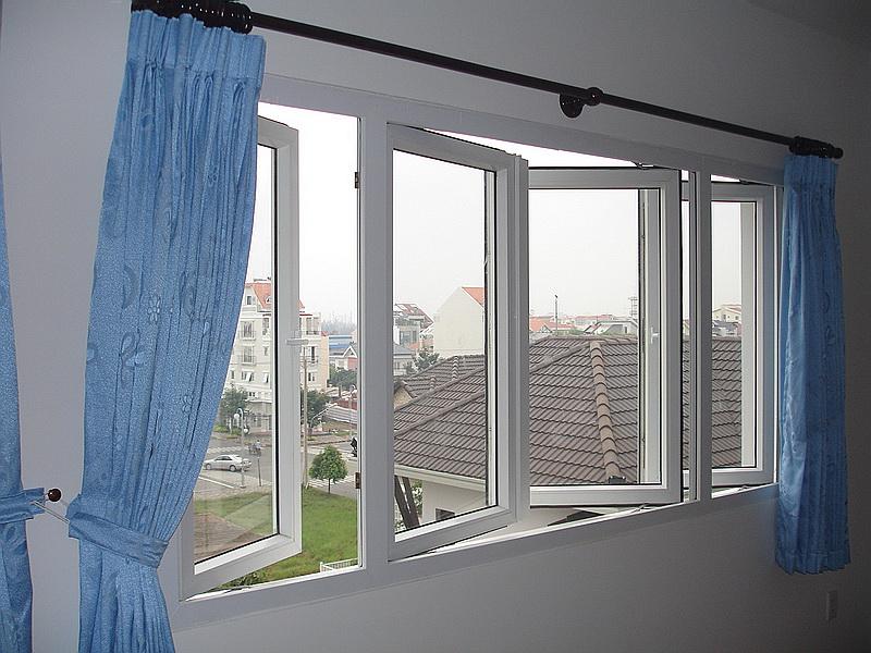 Mẫu cửa sổ đẹp với rèm