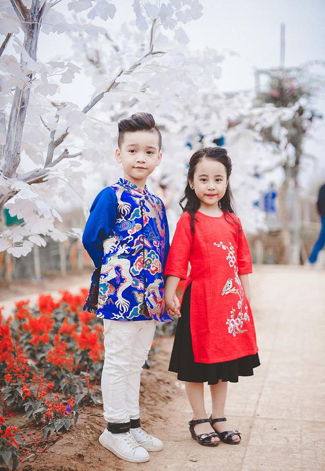 Áo dài cách tân cho bé trai và bé gái