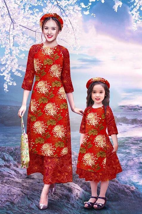 Áo dài cách tân mẹ và bé hoa lá màu đỏ