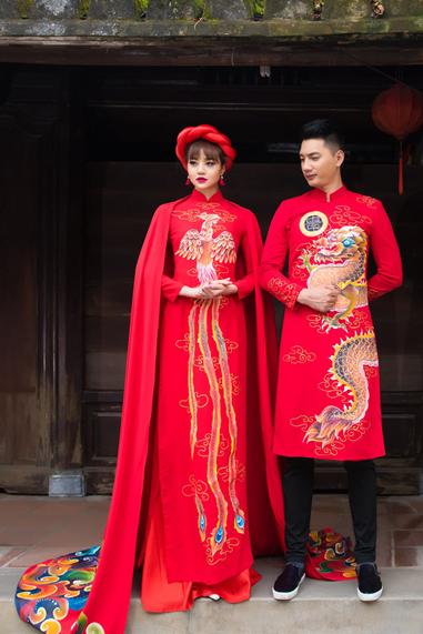Áo Dài cách tân nam nữ trong cưới hỏi màu đỏ