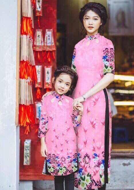 Set áo dài cách tân mẹ và bé màu hồng