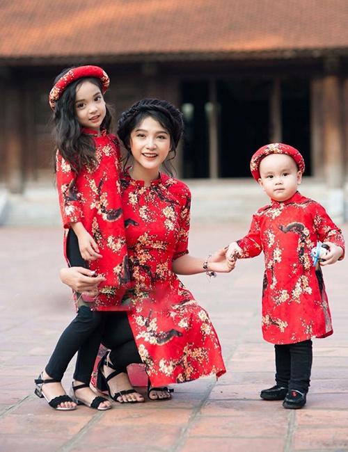 Tổng hợp những mẫu áo dài cách tân cho mẹ và bé đẹp nhất