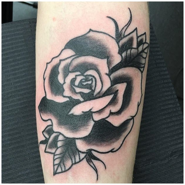 Ảnh hình xăm hoa hồng đen trắng đẹp