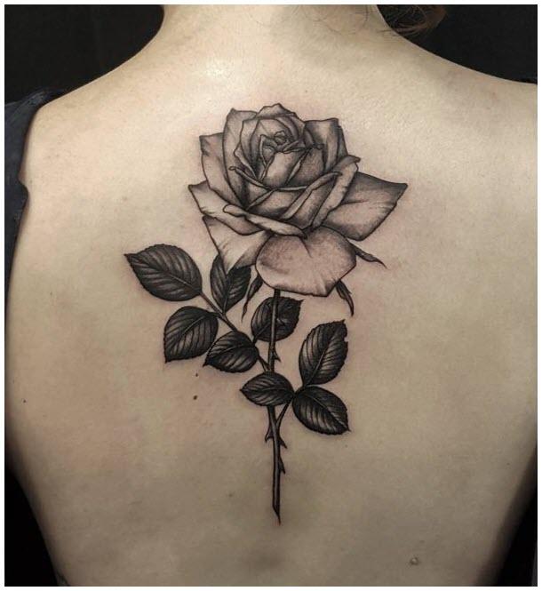 Hình xăm hoa hồng đen trắng đẹp cho nữ