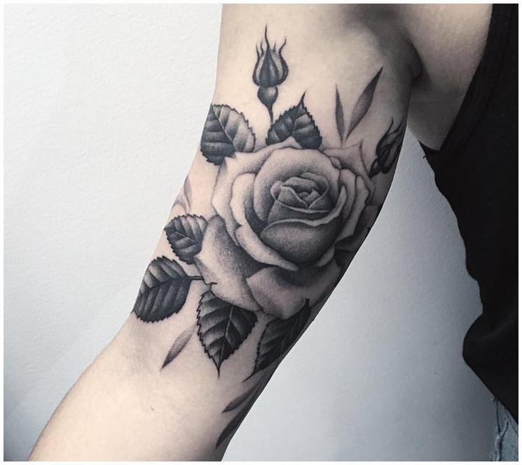 Hình xăm hoa hồng trên bắp tay đẹp