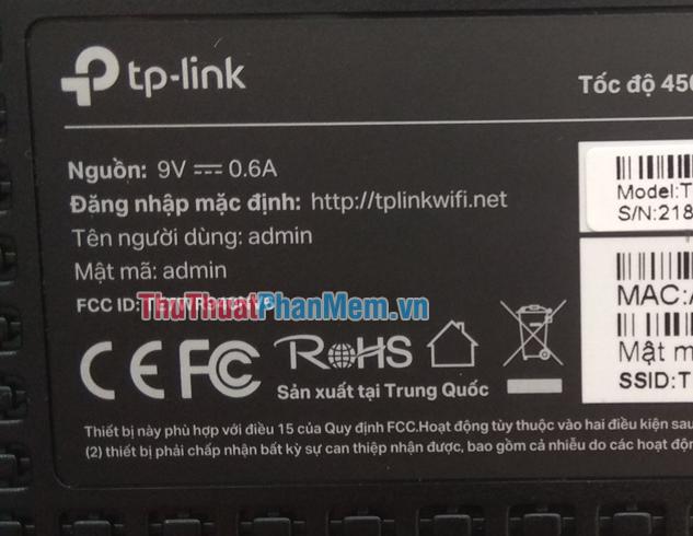 Địa chỉ và tài khoản mật khẩu để đăng nhập vào modem nằm ở mặt đáy của modem