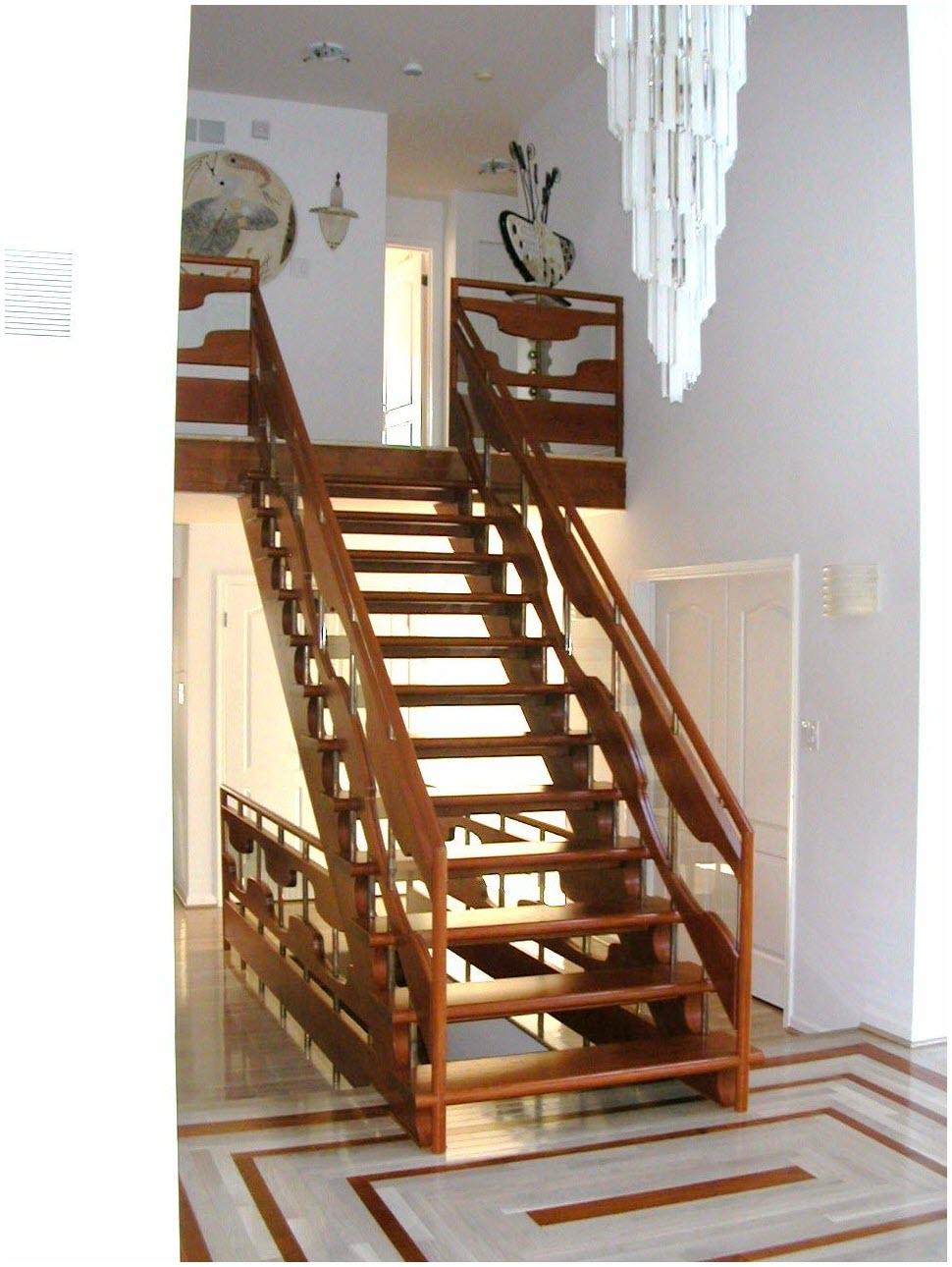 Hình cầu thang gỗ đơn giản, đẹp