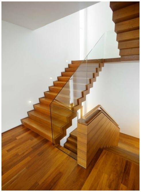 Mẫu cầu thang gỗ cơ bản đẹp