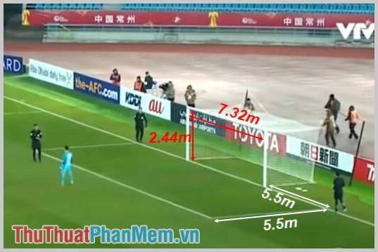 Cầu môn trên sân bóng đá 11 người