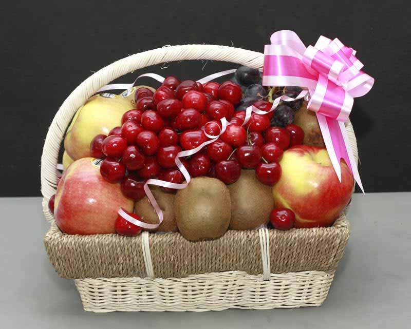 Hình ảnh giỏ trái cây Cherry