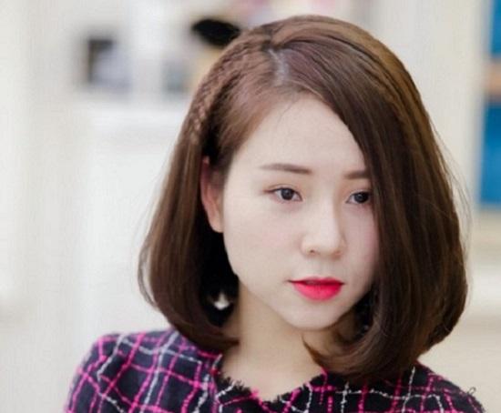 Kiểu tóc xoăn phồng phù hợp với nữ mặt tròn