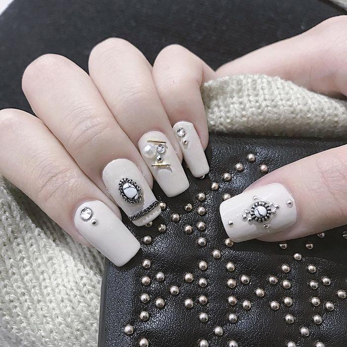 Mẫu nail đơn giản và đẹp