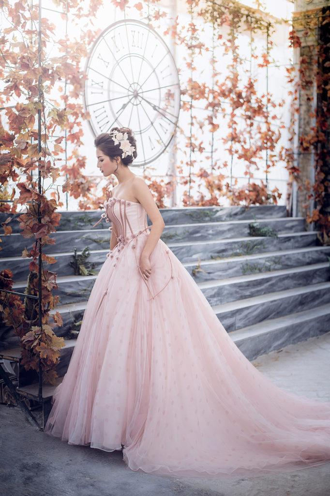 Bộ váy cưới hồng phấn ngọt ngào cho các nàng