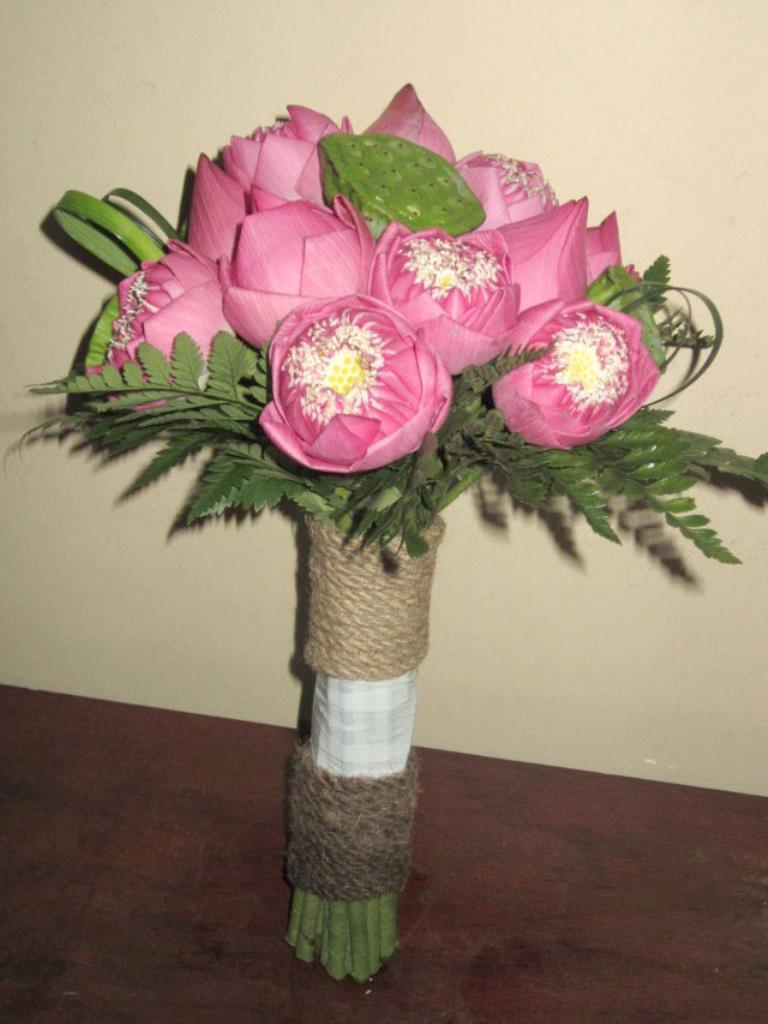Cách lựa chọn hoa cầm tay và những điều nên tránh
