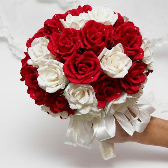 Chuẩn bị hoa cầm tay cho cô dâu như thế nào