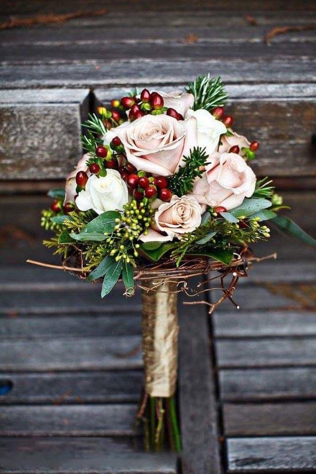 Hình ảnh đẹp nhất với những mẫu hoa cầm tay cô dâu đẹp nhất