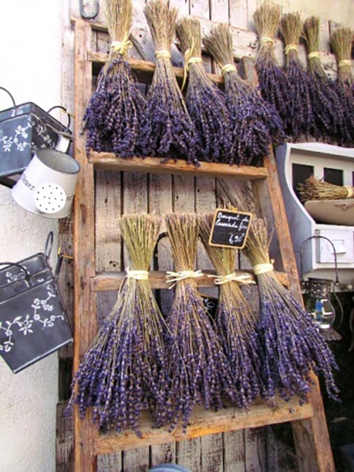 Hình ảnh hoa Lavender khô trang trí đám cưới lãng mạn
