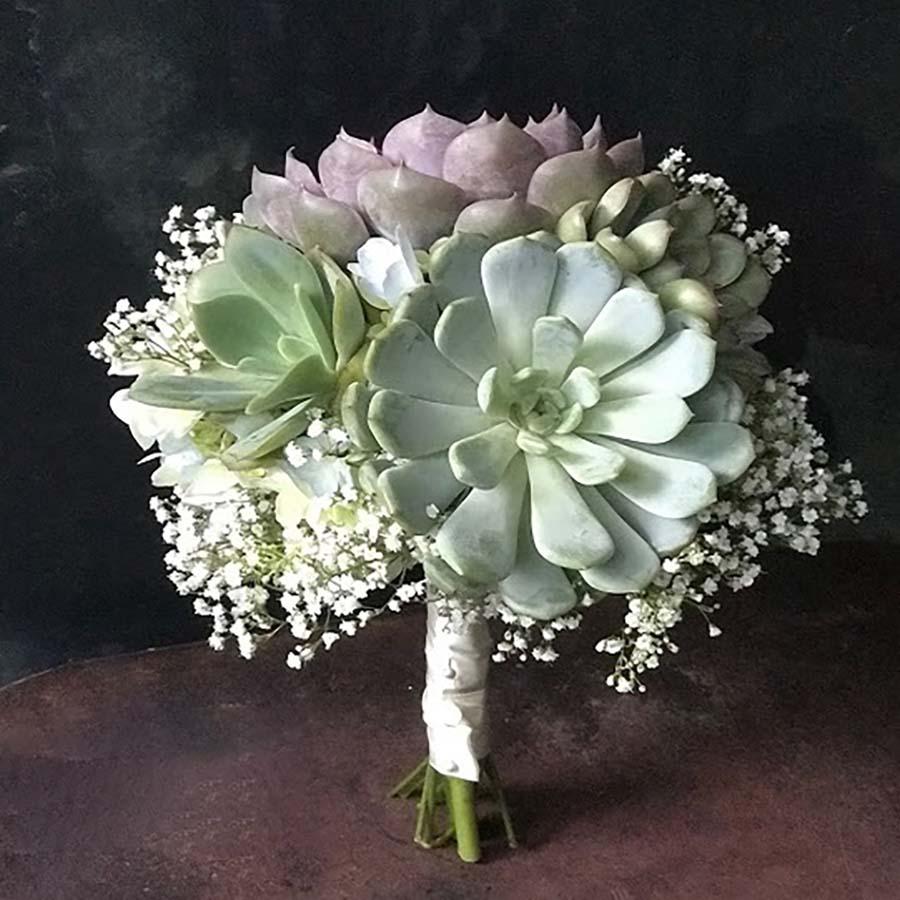 Hoa cầm tay cô dâu bằng sen đá