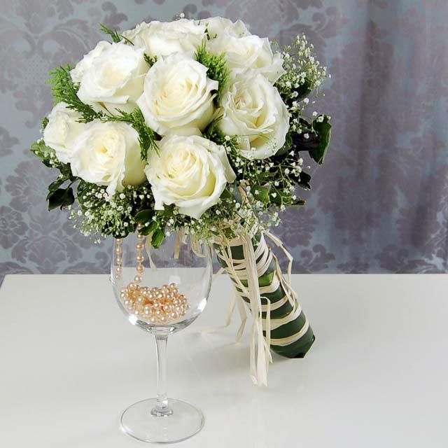 Mẫu hoa cưới cầm tay hợp với phong thủy