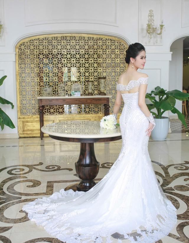 Mẫu váy cưới đẹp đuôi cá cho cô dâu