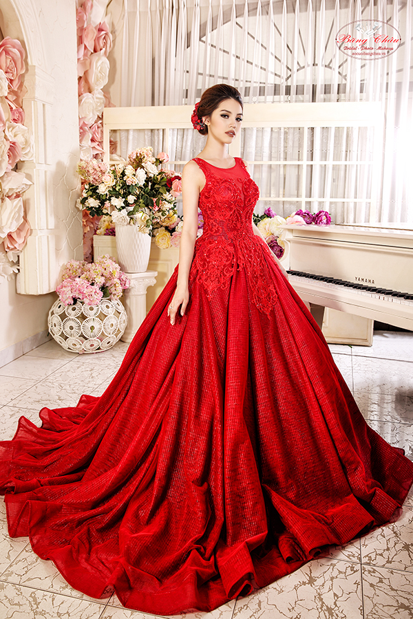 Mẫu váy cưới màu đỏ đẹp