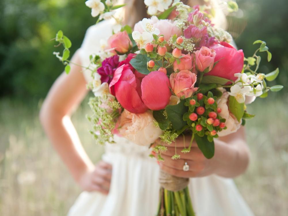 Những lời khuyên khi chọn hoa cầm tay cô dâu