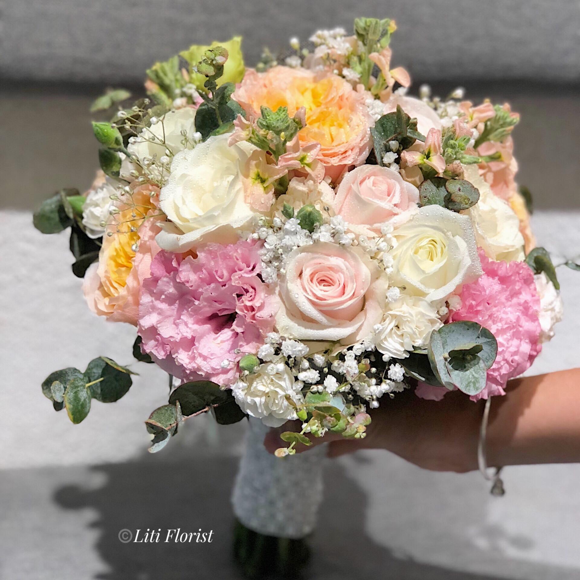 Tại sao trong đám cưới hoa cầm tay lại mang ý nghĩa đặng biệt