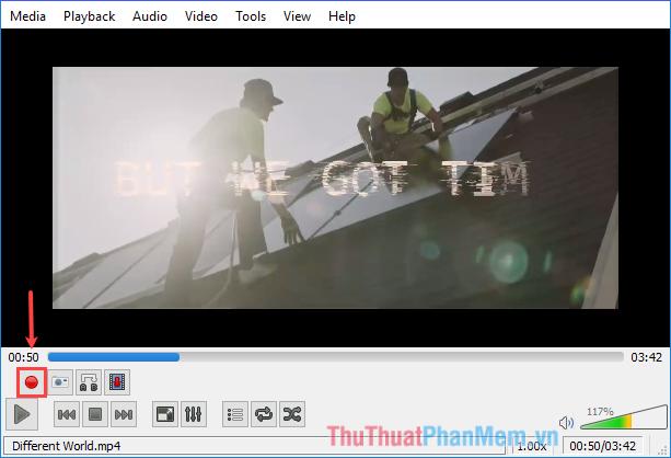 Tại thời điểm kết thúc đoạn video muốn cắt, click nút Record