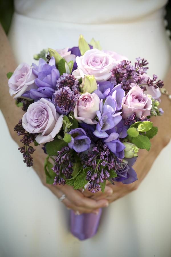 Tô điểm đám cưới bằng sắc hoa cẩm chướng mẫu hoa cầm tay đẹp nhất