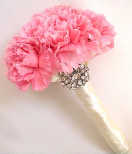 Trang trí đám cưới bằng hoa cẩm chướng