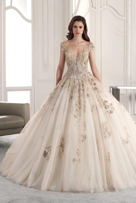 Vẻ đẹp mong manh của cô dâu trong bộ váy cưới đẹp nhất