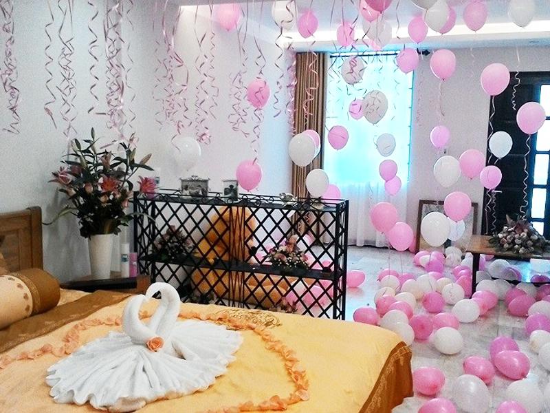 Cách trang trí phòng cưới bằng bóng bay