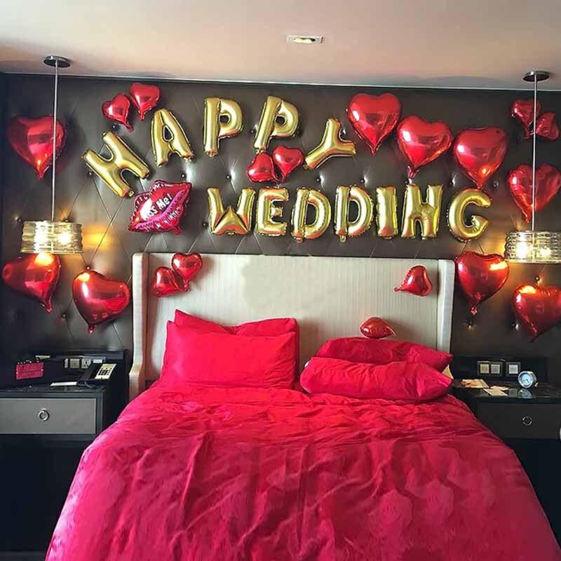 Mẫu trang trí phòng cưới happy wedding