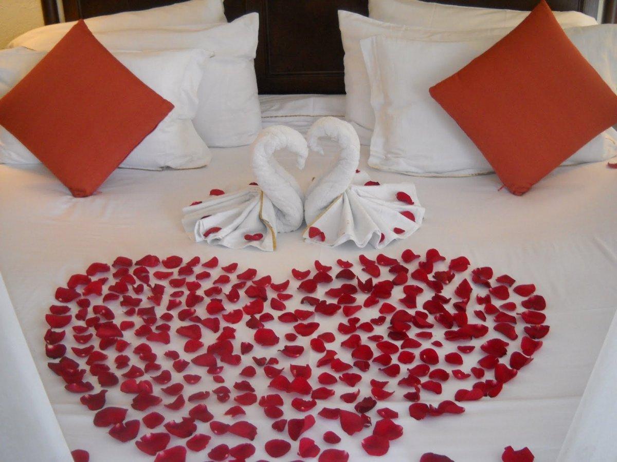Trang trí giường cưới đẹp